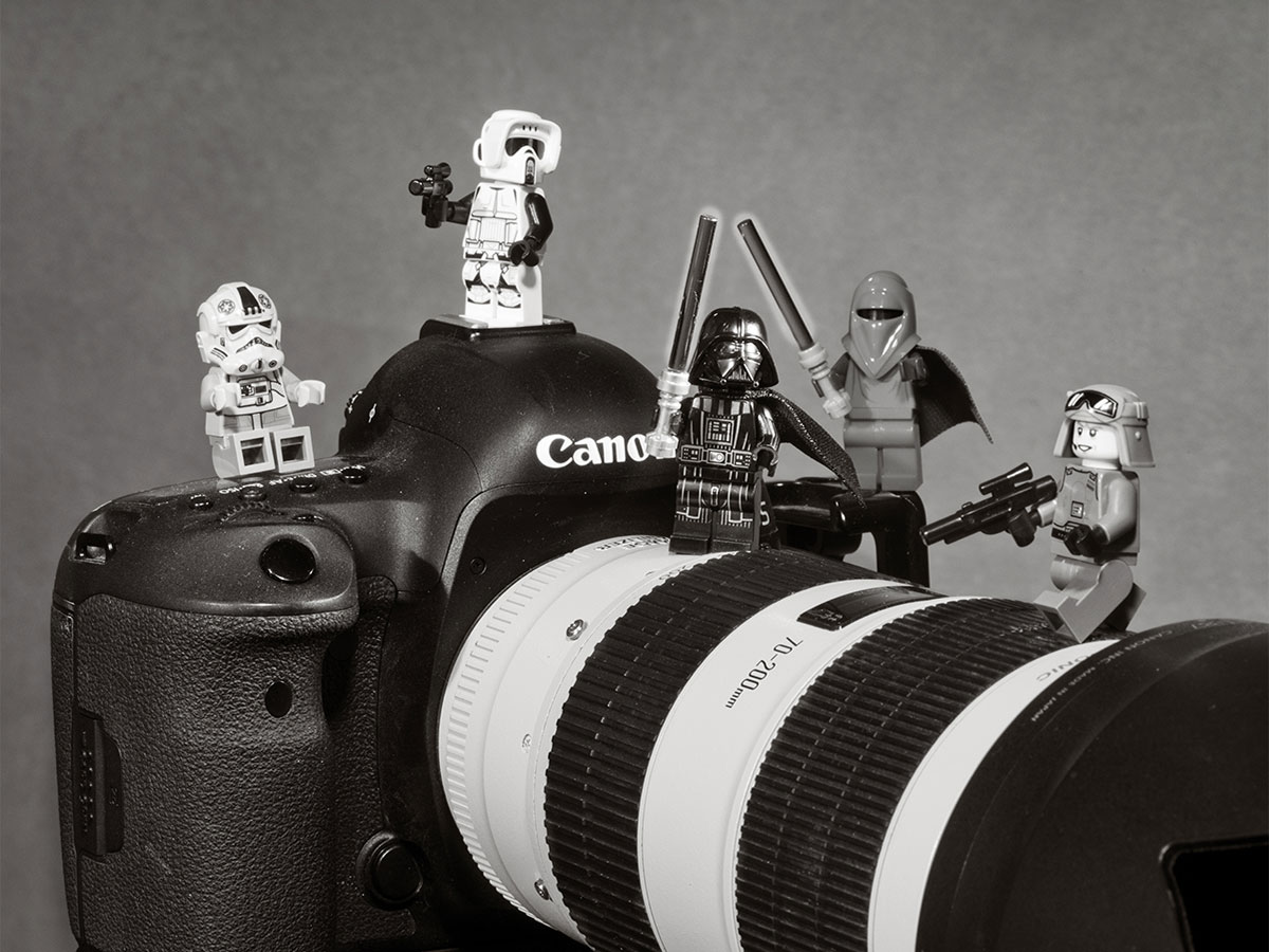 Star Wars Lego Minifigs standing on Canon camera